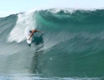 Wilko And Friends Go Tube Hunting At Teahupo'o